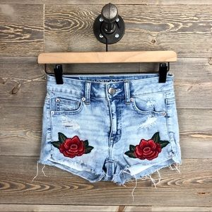 American Eagle Distressed Rose Embroidered Hi-Rise